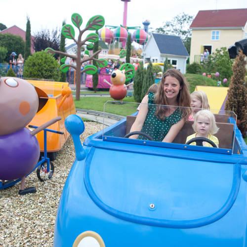 https://blog.paultonspark.co.uk/app/uploads/2021/02/Daddy_Pigs_Car_Ride_in_Peppa_Pig_World.jpg